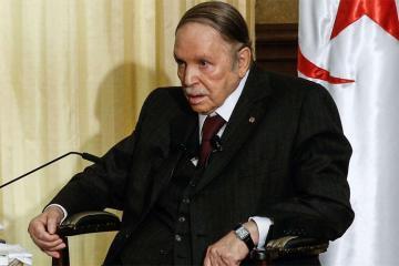 Президент Алжира Абдельазиз Бутефлика покинул пост