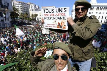 Армия Алжира потребовала срочно применить статью конституции о недееспособности президента