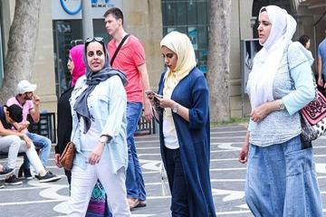İrandan Azərbaycana gələn turistlərin sayı 33% azalıb