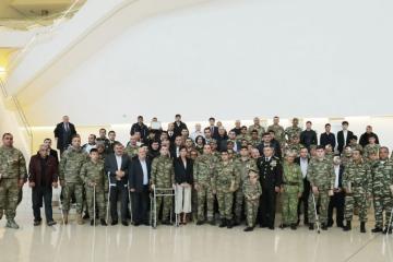 Мехрибан Алиева встретилась с раненными в апрельских боях военными - [color=red]ОБНОВЛЕНО[/color]