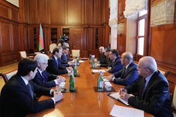 Новруз Мамедов принял министра промышленности и торговли России