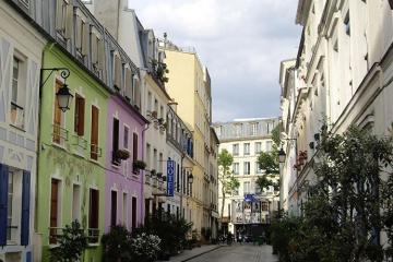 Жители Парижа недовольны туристами