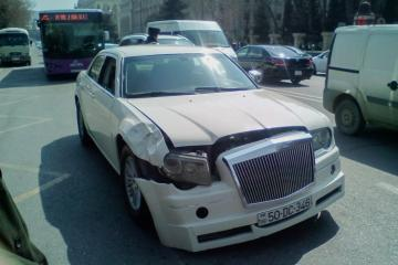 В Баку машина сбила студента