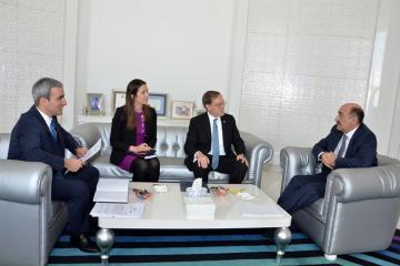 Əbülfəs Qarayev ABŞ-ın yeni səfiri ilə görüşüb