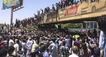 Gunshots reportedly heard, tear gas fired at Sudan protest site