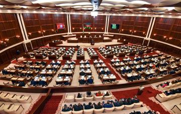 Plenary session of Azerbaijani Parliament kicks off