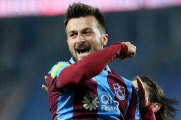 Azərbaycan millisinin futbolçusu Türkiyə yığmasına çağırıla bilər