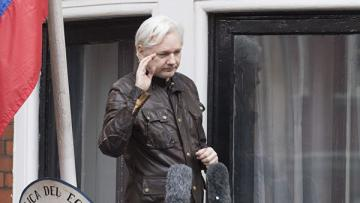 Джулиан Ассанж задержан в Лондоне