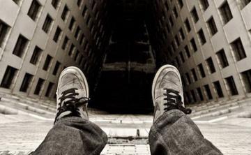 Что толкает школьников в Азербайджане на самоубийство?
