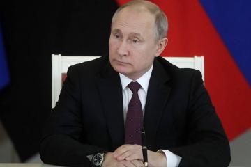 Vladimir Putin ötən il üçün gəlirlərini açıqlayıb