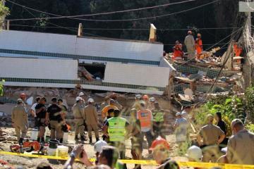 В Рио-де-Жанейро растет число погибших из-за обрушения домов
