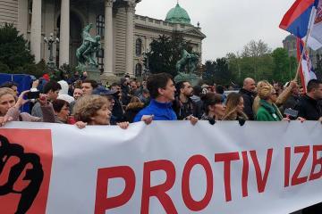 Serbiyada prezidentin istefası tələb olunub