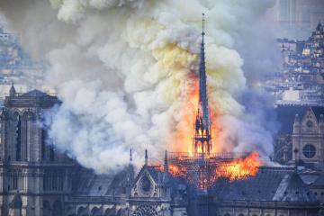 Paris prokuroru Notr-Dam kiləsindəki yanğının səbəbləri barədə danışıb