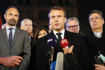 Президент Франции пообещал восстановить собор Парижской Богоматери