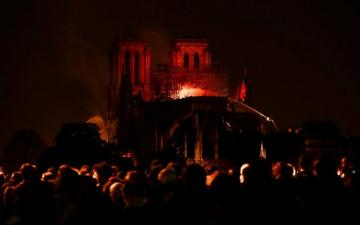 Notre Dame Cathedral fire in [color=red]photos[/color]