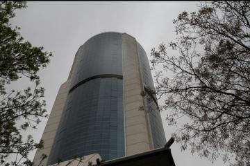 В Турции азербайджанка бросилась с 42 этажа