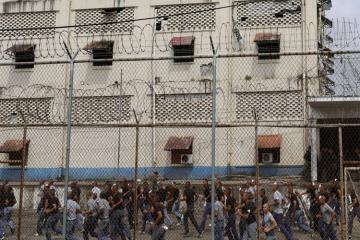 В Венесуэле произошел массовый побег заключенных из тюрьмы