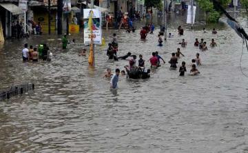 Pakistanda 39 nəfər güclü yağışların qurbanı olub