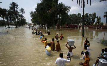 В Пакистане жертвами наводнений и ураганов стали 40 человек