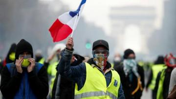 French interior minister warns of yellow-vest riots on Saturday