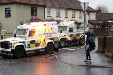 Şimali İrlandiyada atışma zamanı bir nəfər ölüb, polis faktı terror aktı kimi qiymətləndirir