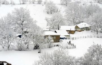В Губе, Гусаре и Хызы выпал снег, температура понизилась до минуса 8 - [color=red]ФОТО[/color]