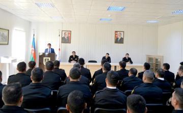 Представители Госкомитета по работе с религиозными образованиями встретились с солдатами