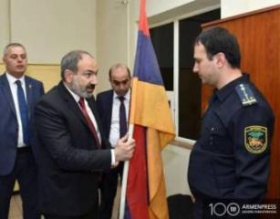 Nikol Paşinyan öz sürücüsünün qardaşını gömrük postunun direktoru təyin edib