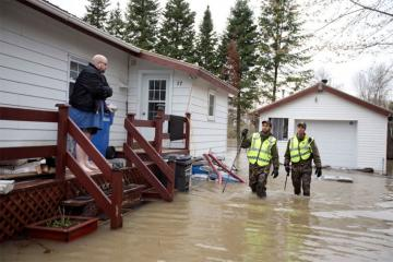 Kanadada 2500-dən çox ev sel suları altında qalıb