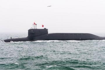 Çin yeni atom sualtı qayığını nümayiş etdirib