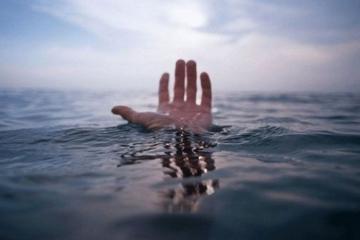 Salyanda intihar edən qadının meyiti sudan çıxarılıb