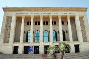 Akademik Milli Dram Teatrının kollektivi Mahaçqalaya qastrola gedib