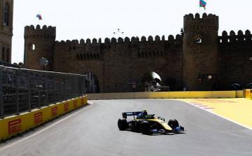 """Bakıda """"Formula-2"""" üzrə birinci yarışa start verilib"""