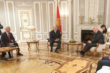 """Lukaşenko: """"Dağlıq Qarabağ və digər problemlərə göz yummaq olmaz"""""""