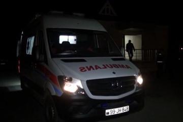 Goranboyda avtomobilin maneəyə çırpılması nəticəsində 2 nəfər xəsarət alıb