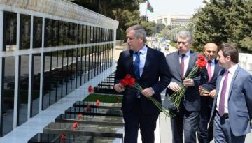 President of Argentine Chamber of Deputies visits Alley of Martyrs