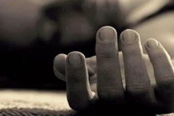 Житель Баку устроил суицид, изрезав себя ножом