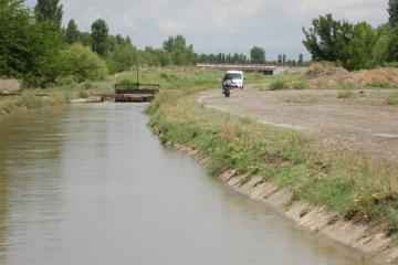 Şəmkirdə kişi ehtiyatsızlıqdan su kanalına düşüb