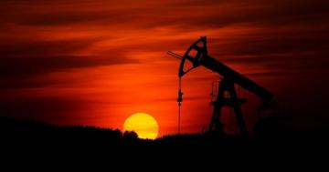 Brent oil price drops below $58 p/b for first time in 6 months