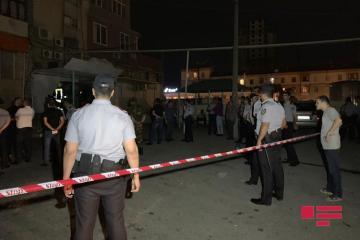 В Баку двое ранены ножом в массовой драке