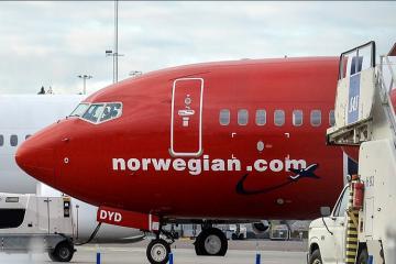 Norveç təyyarəsi London hava limanında qəza törədib