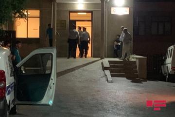 В Баку неизвестные жестоко избили мужчину и его сына