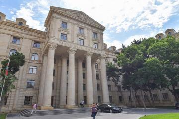 Azərbaycan XİN: Mnatsakanyanın Paşinyanın absurd bəyanatını təkrarlaması Ermənistanı pis vəziyyətə salır