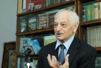 Well-known scholar Panah Khalilov died