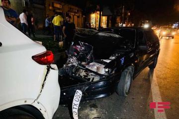 В Баку пьяный водитель пытался скрыться с места ДТП - [color=red]ФОТО[/color] - [color=red]ВИДЕО[/color]