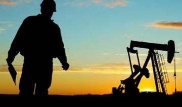 Azərbaycanda neft hasilatı azalıb