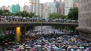 YouTube отключил 210 каналов, пытавшихся влиять на ситуацию в Гонконге