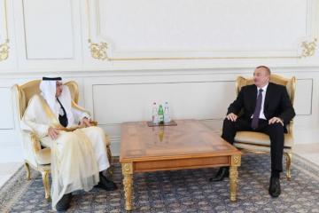 Президент Ильхам Алиев принял генсека ОИС