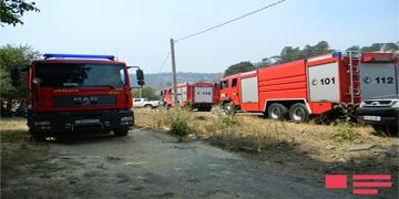 Техника и живая сила МЧС привлечены к тушению пожаров в Губе, Огузе, Габале и Ахсу