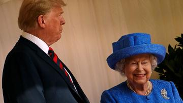 Елизавета II пожаловалась на испорченный из-за Трампа газон